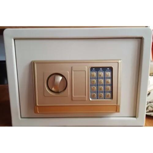 Basic Digital Safe Box 4